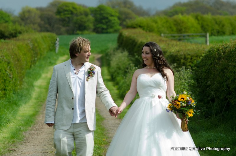 Amy and Ian_Wirral Farm Wedding (17)