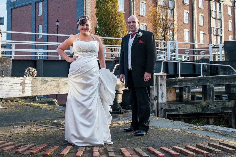 Holiday Inn Ellesmere Port Wedding : Cathryn and Jarrod