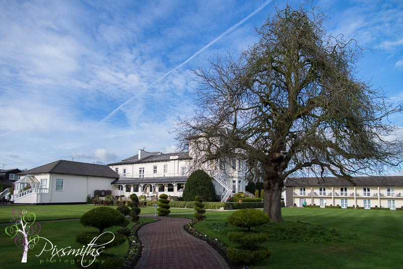 Wallace_Thormton_Hall_002