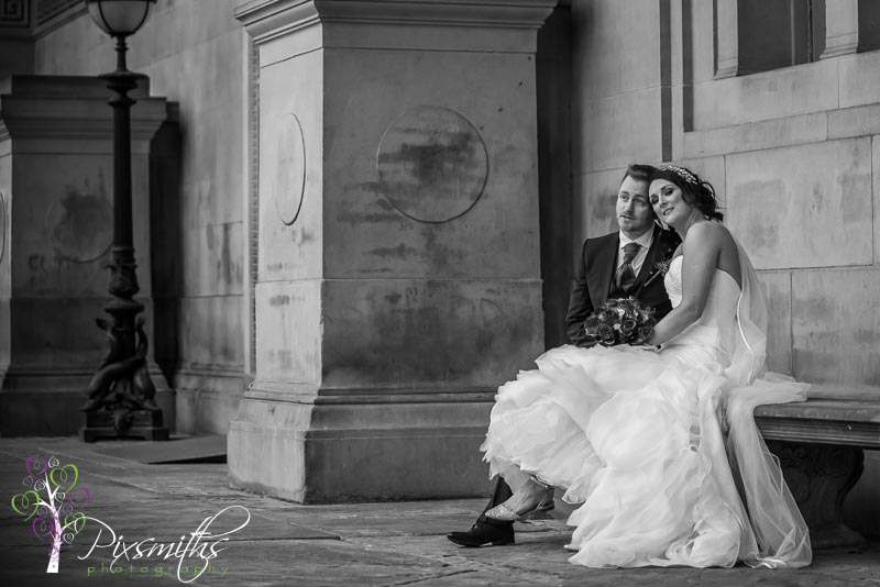 capturing candid moments St Georges Hall Liverpool