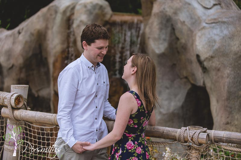 063_Lowe_pw_ChesterZoo