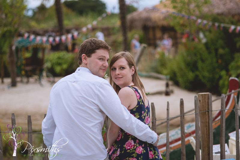 066_Lowe_pw_ChesterZoo