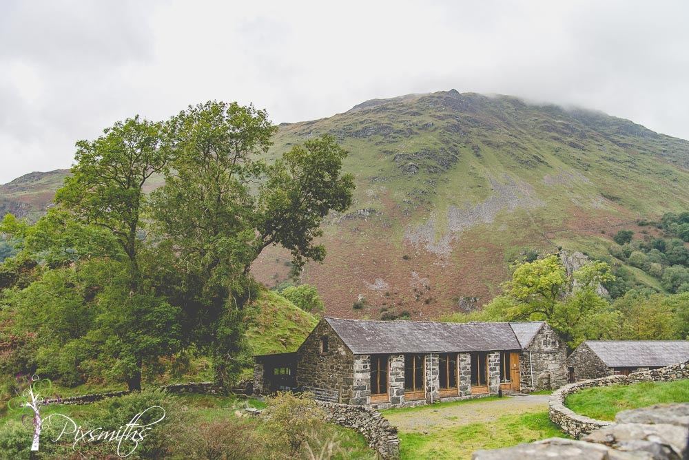DIY llyn Gwynant Barn wedding venue