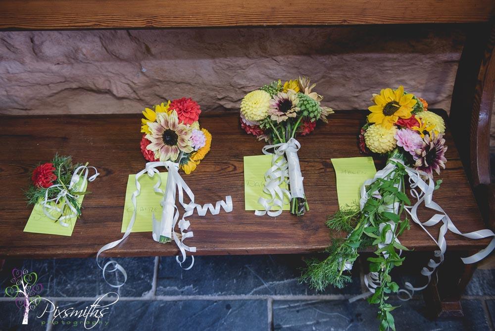 073_leng_llyngwynant homegrown flower bouquets DIY barn wedding