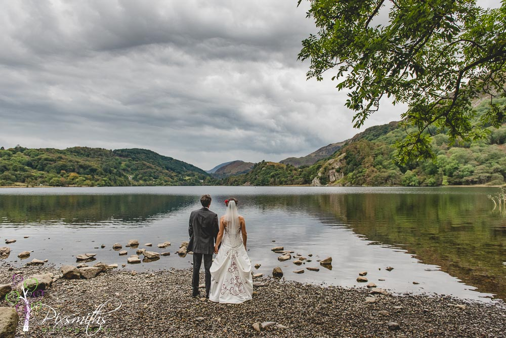 Llyn Gwynant Barn Wedding: Phil & Helen