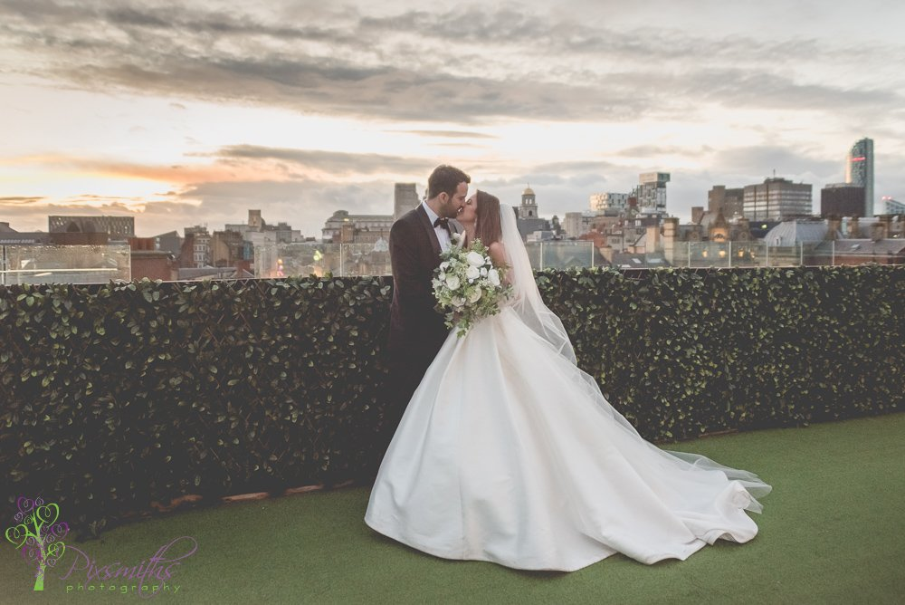 Shankly Hotel Wedding Photographer: Stephanie & Laurence