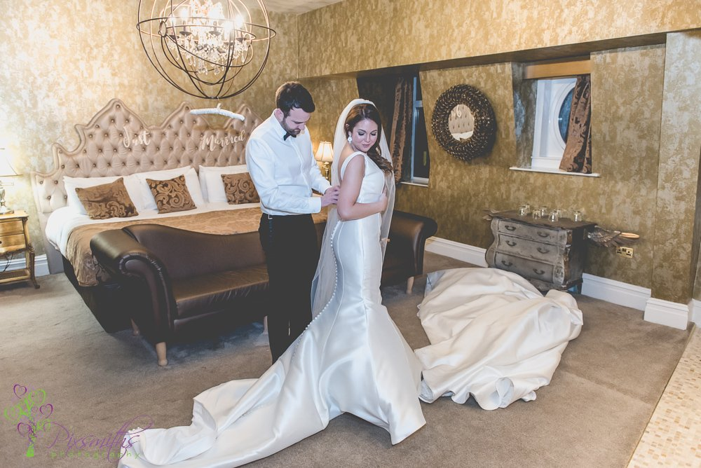Bridal Suite Shankly Hotel Wedding,  Liverpool Wedding Photogrpahy