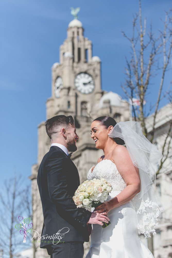 Liverpool city centre wedding portrait in front of the Liver Building