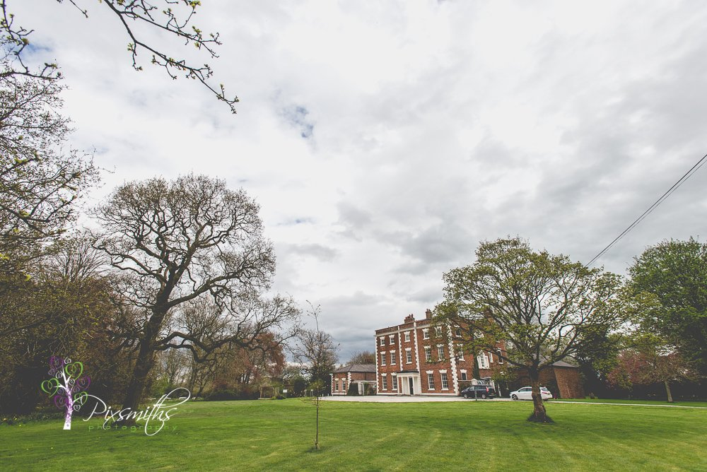 Cheshire Wedding Venue: Trafford Hall Rustic Shoot