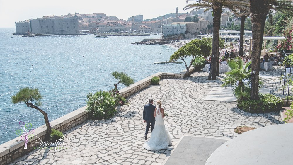 bride walking to her groom Hotel Excelsior Dubrovnik wedding