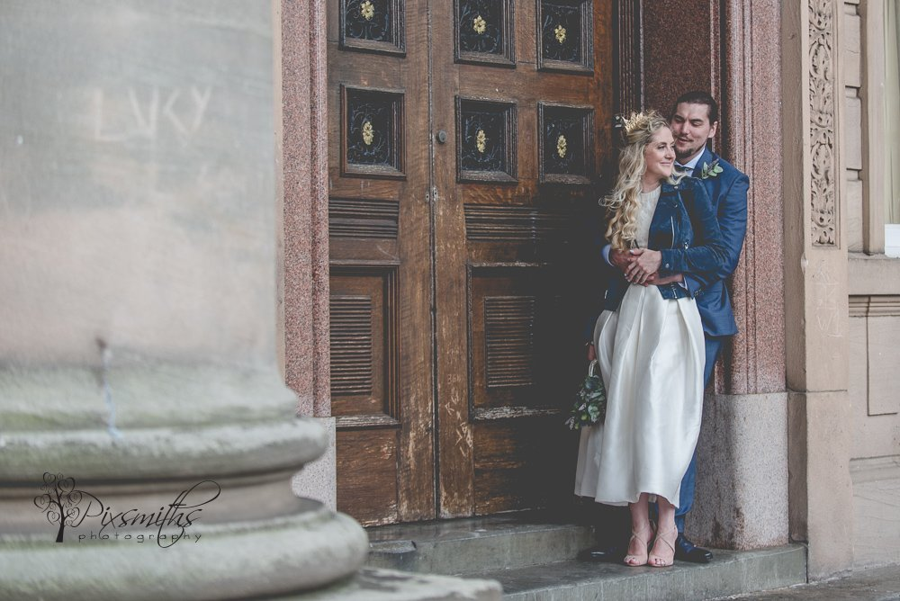 Boho bride weddign portrait Birkenhead Town Hall