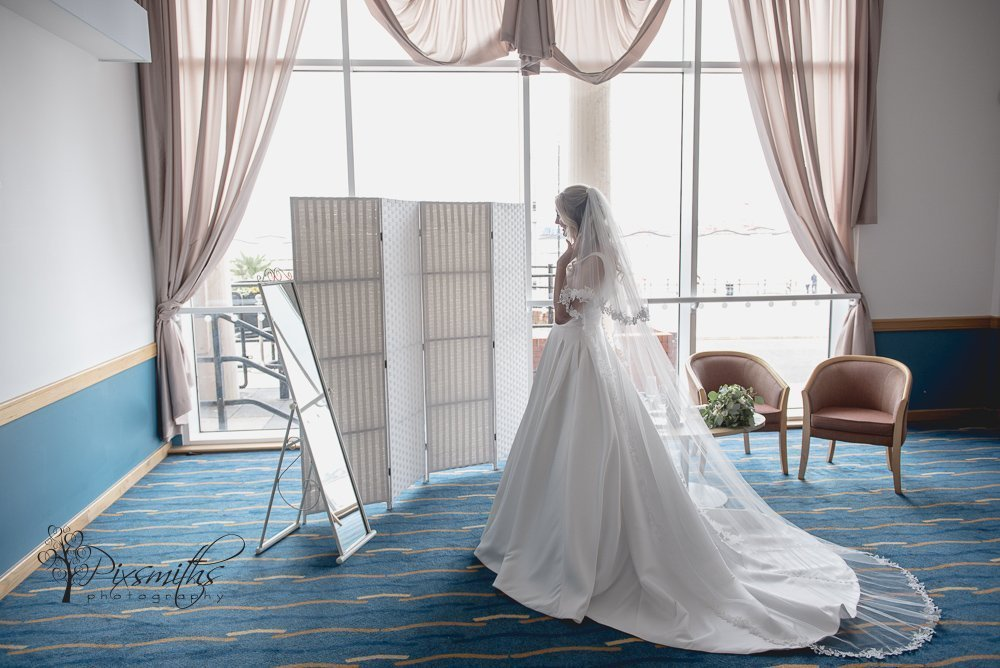 Floral Pavilion weddign photography, bridal preps