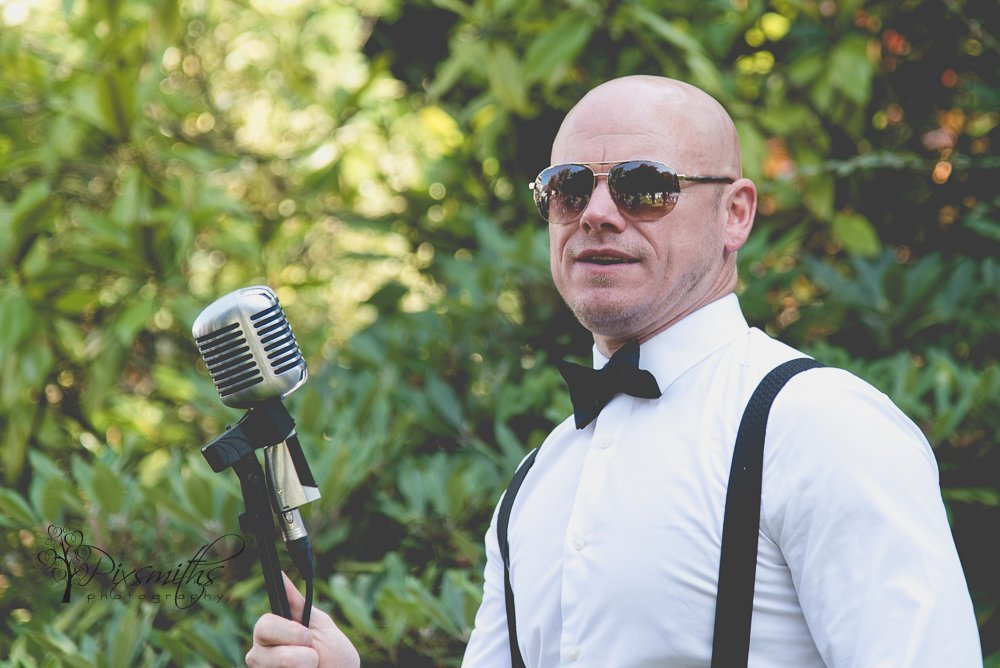 Wayne Farrow wedding singer
