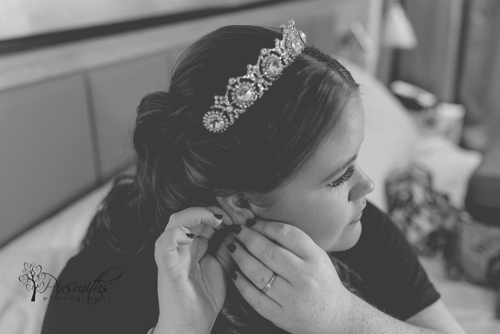 Bridal preps at Doubletree Hilton Chester wedding