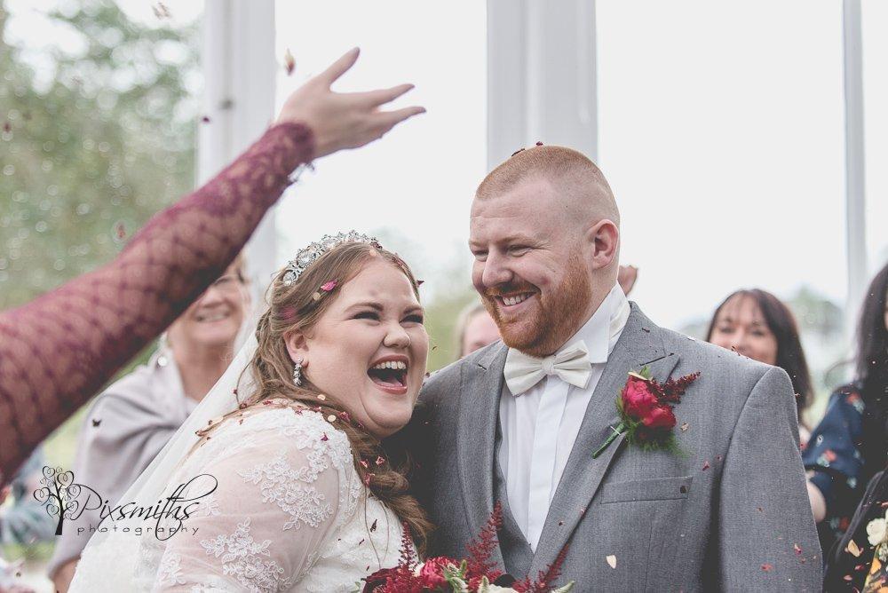 weddign smiles doubletree hilton wedding photography