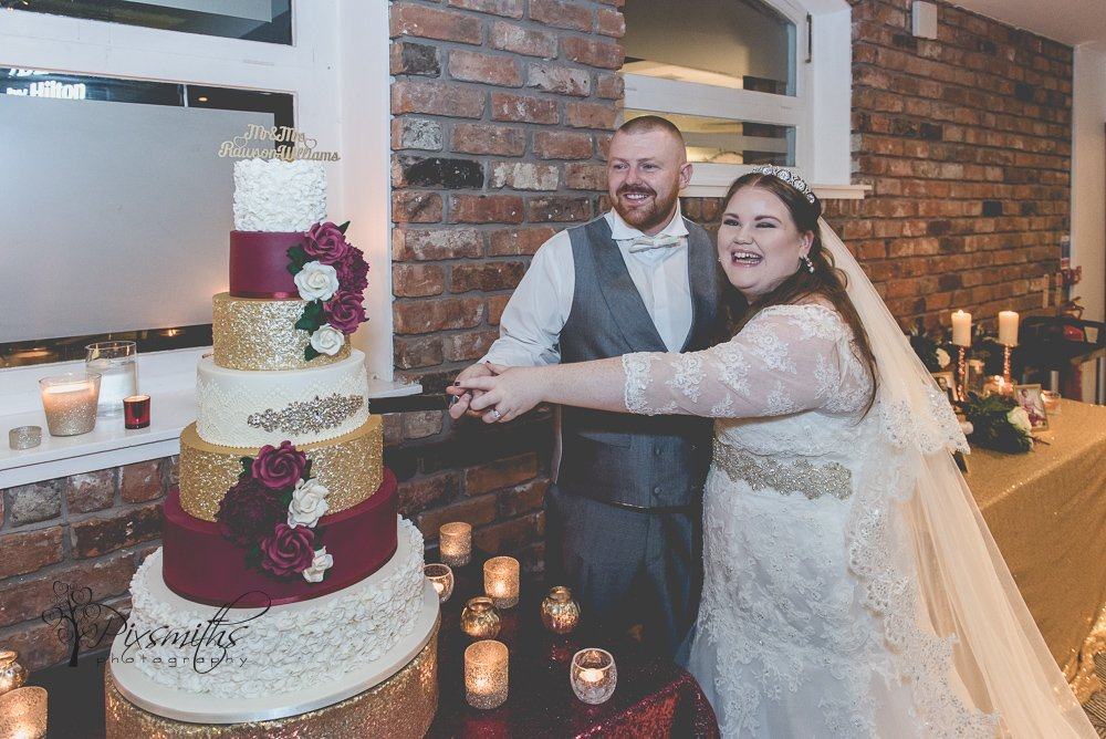 cake cut Doubletree Hilton Chester wedding