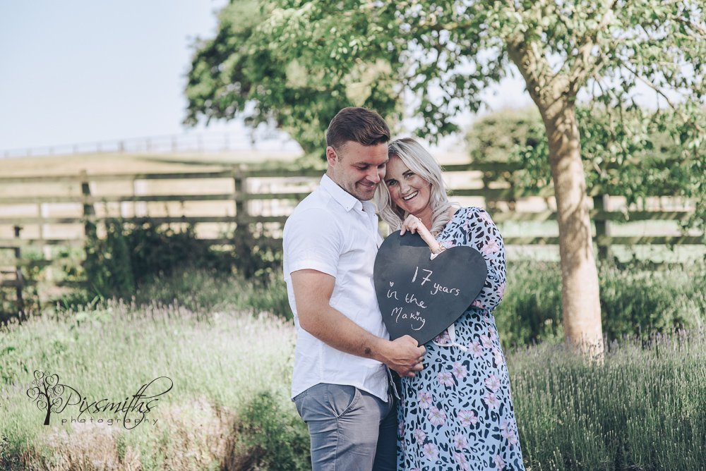 gender reveal shoot by wirral photographers